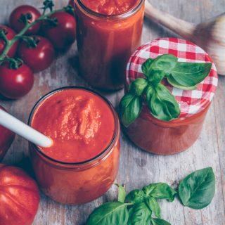 Best homemade Tomato Sauce – Passata di pomodoro