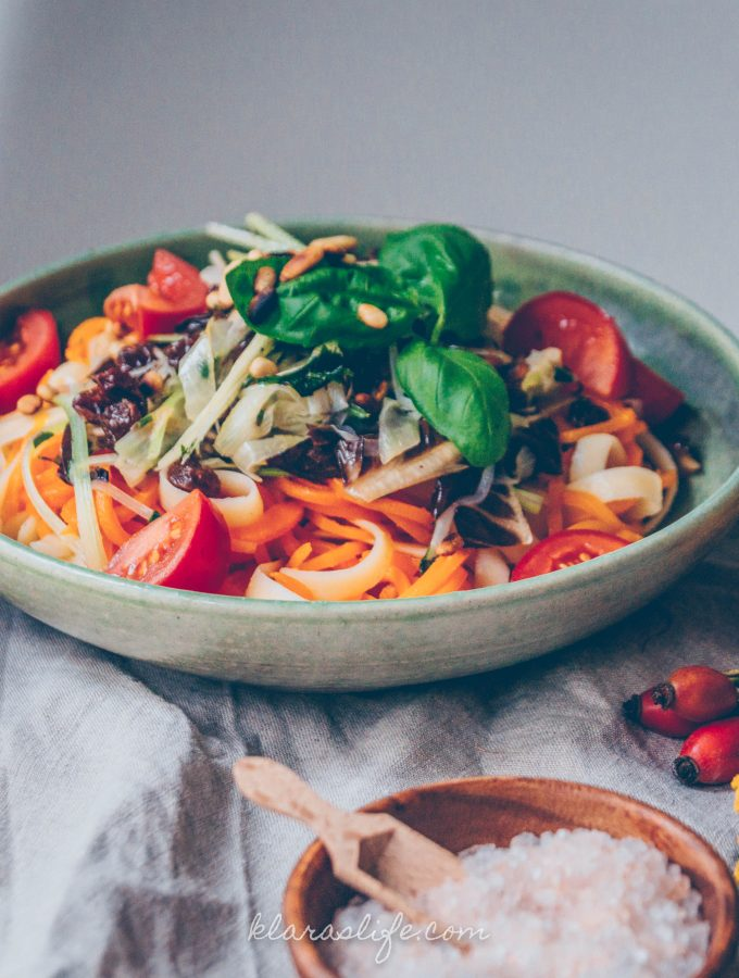 Autumnal Carrots Linguine with Radicchio Onion Vegetables