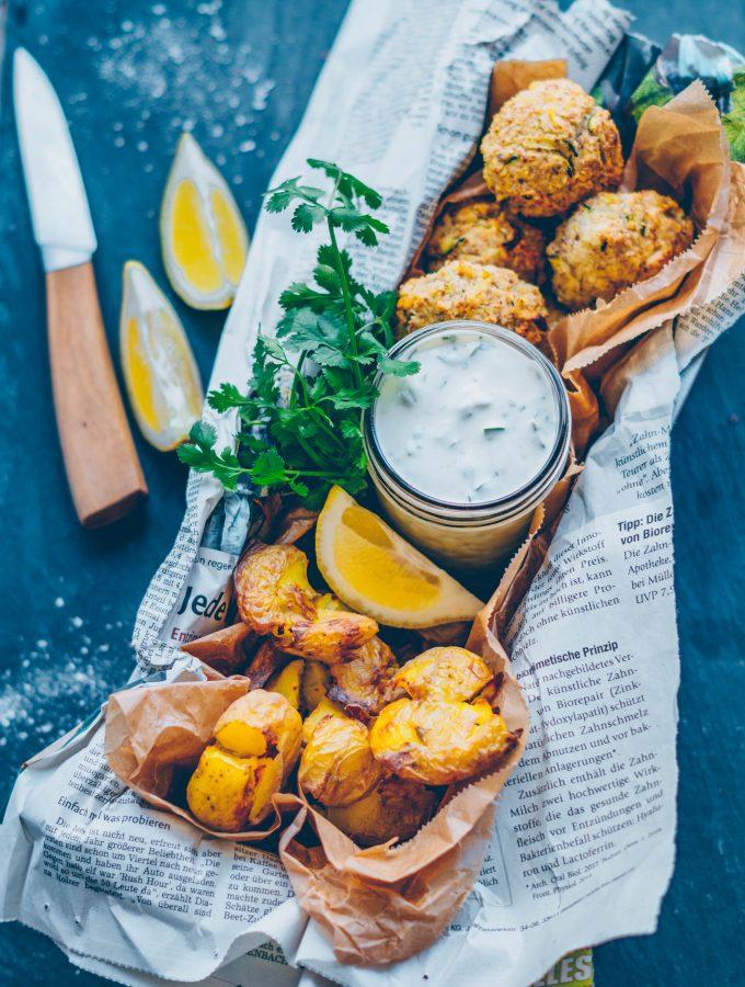 Blumenkohl-Falafeln mit Ofenkartoffeln