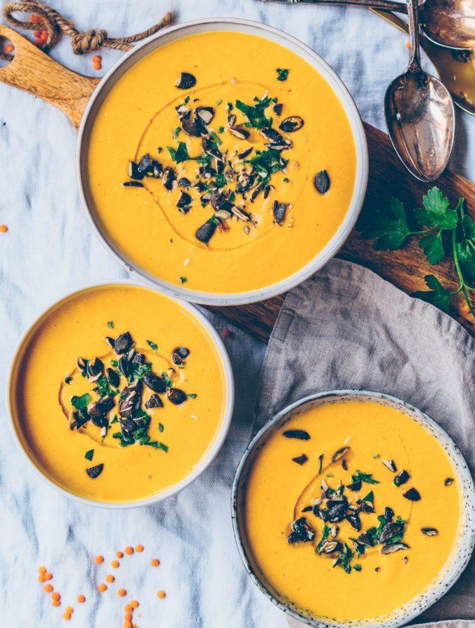 Kürbis Linsen Cremesuppe mit Kokosmilch