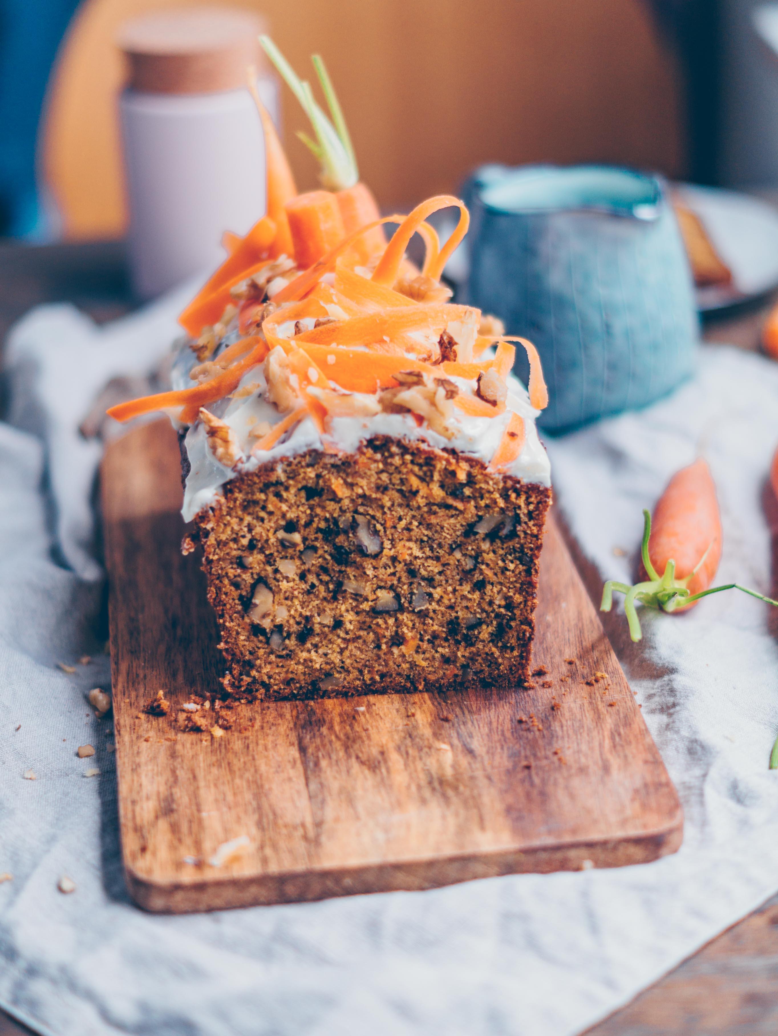 Saftiger Karotten Kuchen Mit Tonka Frischkase Frosting Klara S Life