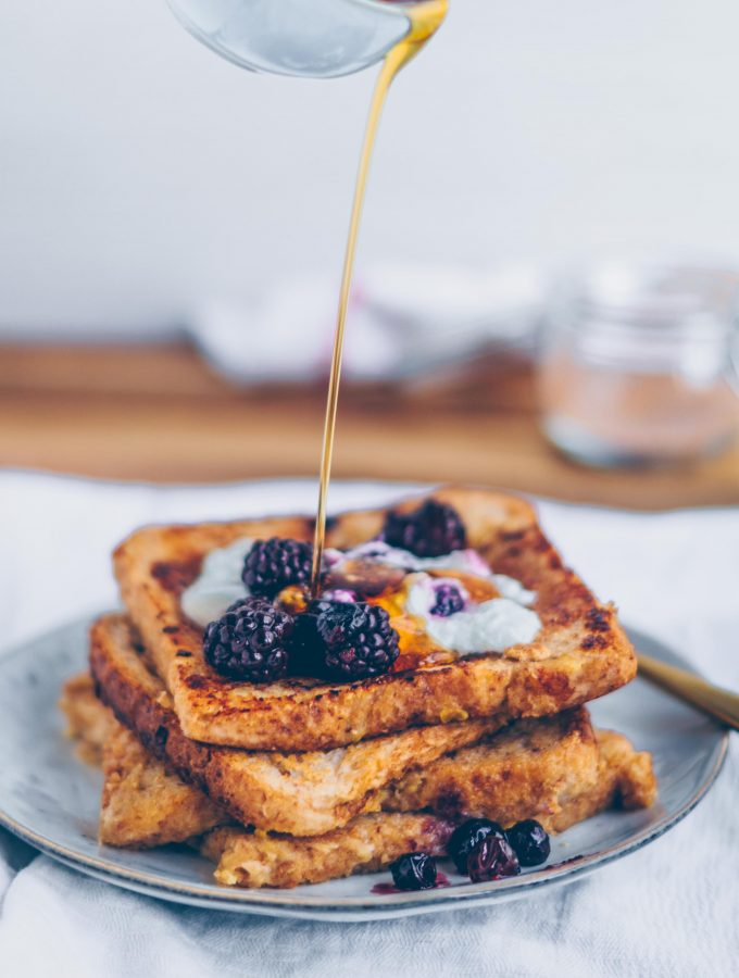 French Toast with Berry Compote, easy and vegan