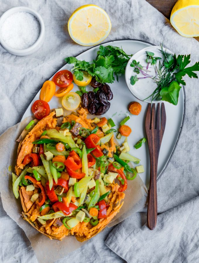 Ofensüßkartoffel mit buntem Gemüse