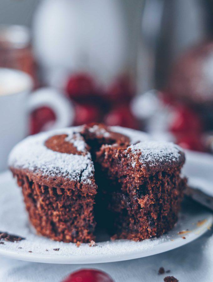 Schokoladen Muffins mit Schokoladenkern
