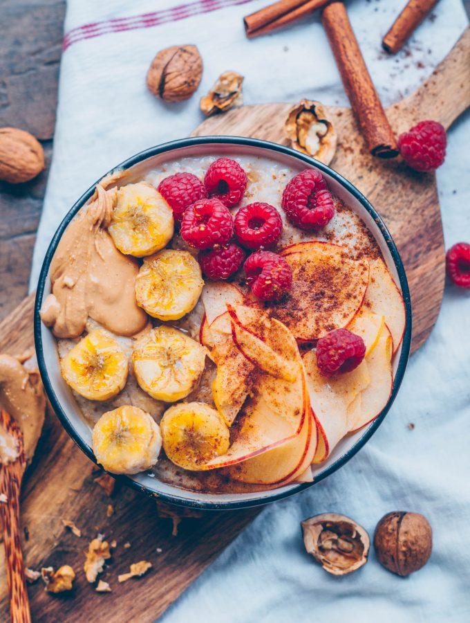Frühstücksliebling. Bananen-Zimtporridge