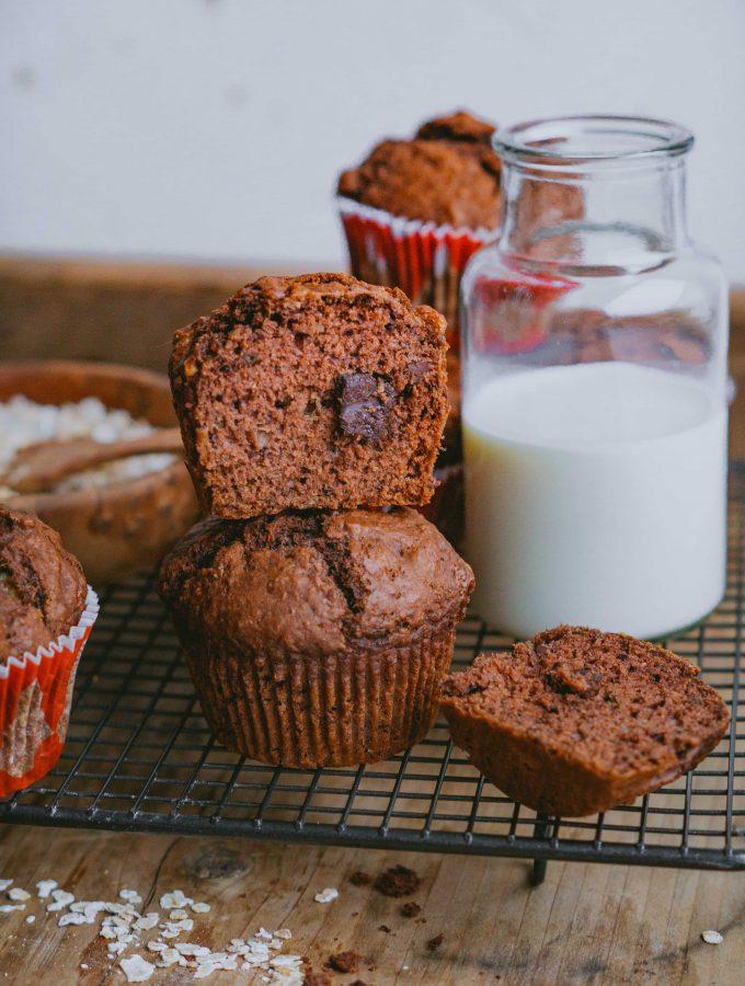 Schokoladen-Bananen-Muffins. Saftig und schokoladig