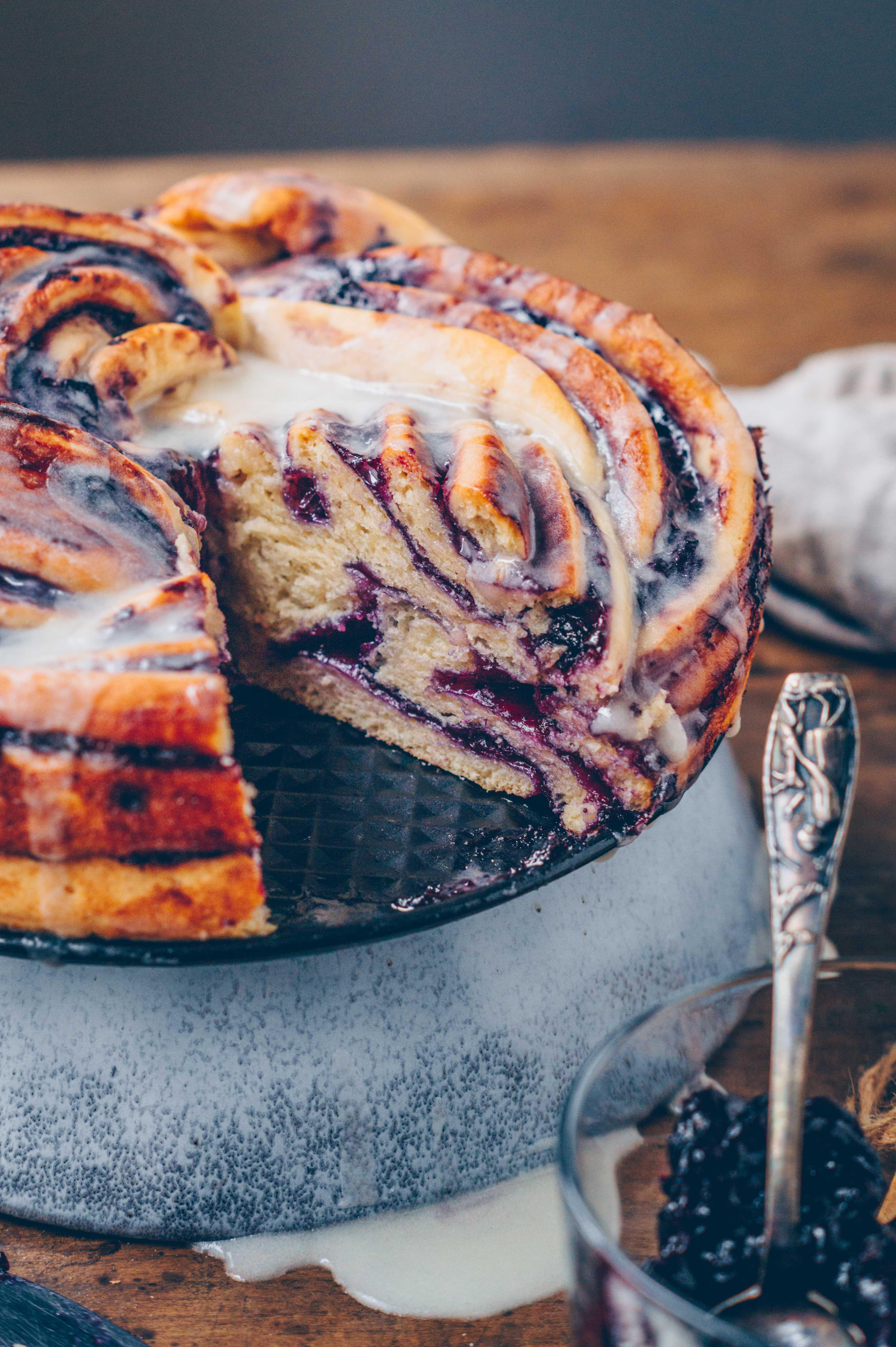 vegan blueberry twist bread