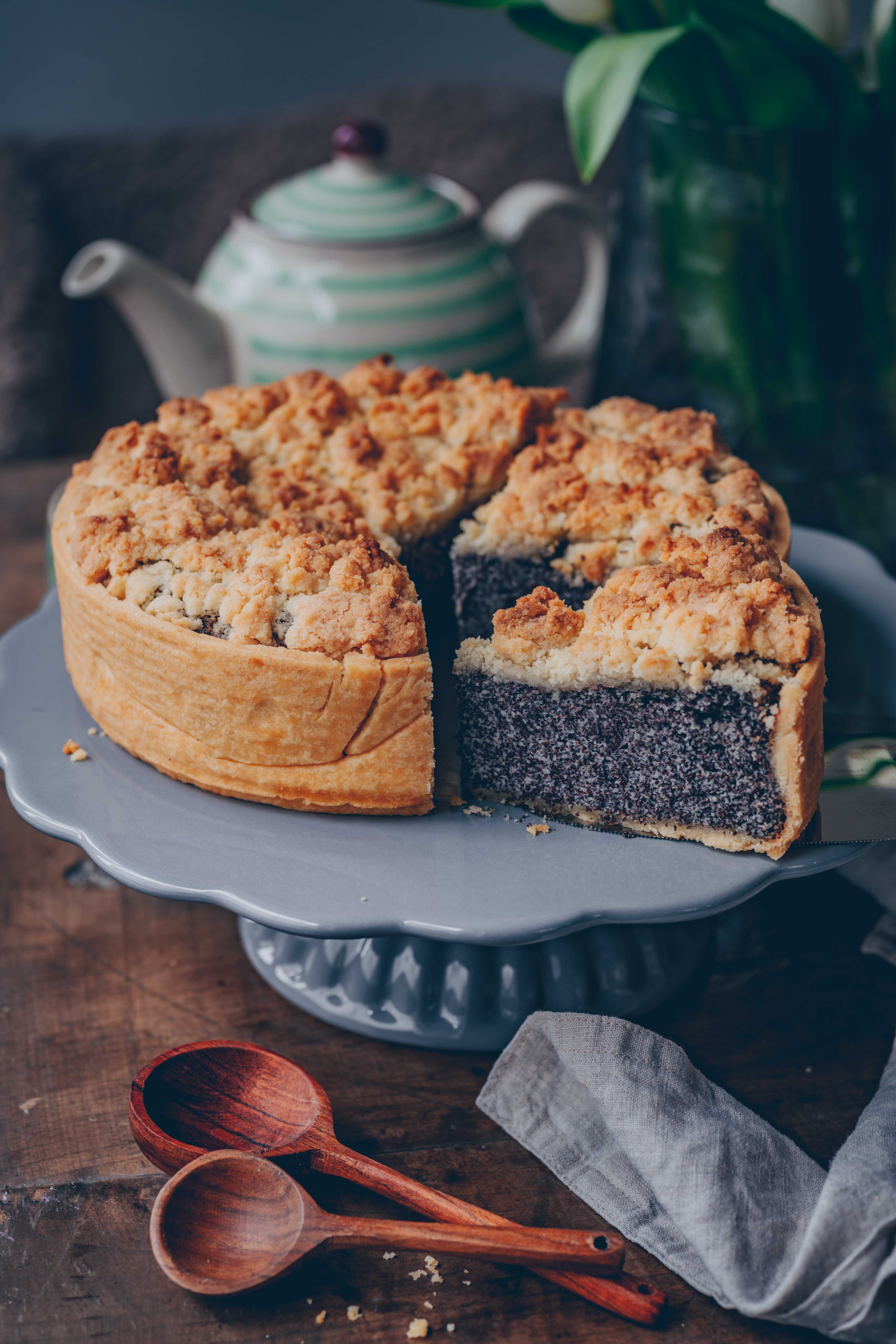Poppy Seed Crumble Cheesecake