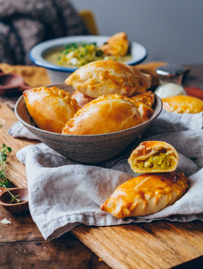 Piroschki with leek filling (easy)