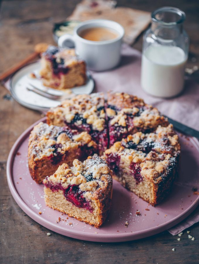 Blackberry Crumble Cake (vegan)