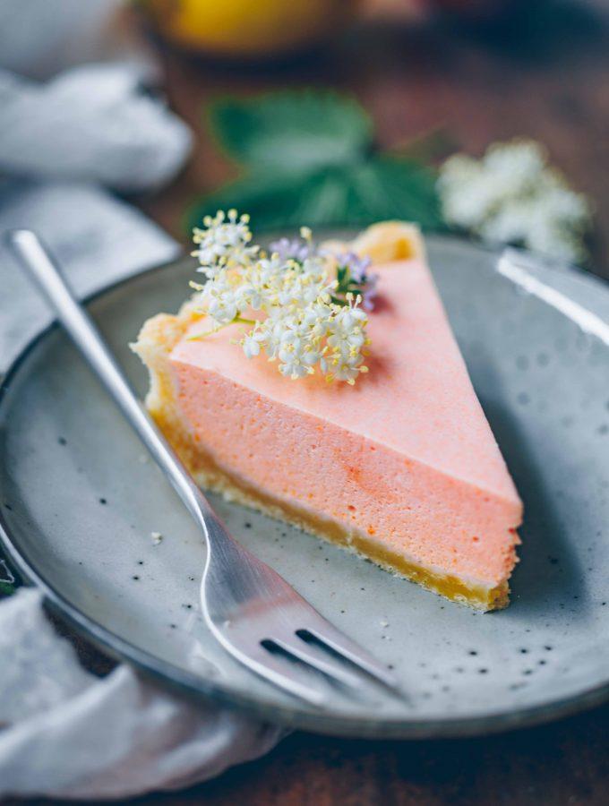 Vegan Apricot Tart | a perfect summer treat